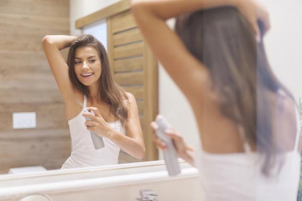 Az izzadásgátlók bőrre gyakorolt hatása.