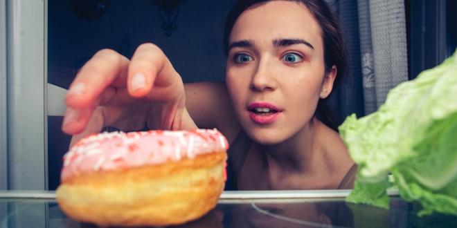 Éhes vagy, ha fogyni akarsz? Így harcolj ellene!