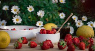 Két főzés nélküli gyümölcsös recept a kánikulára