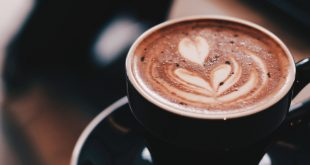 A túlzott kávéfogyasztás agykárosító