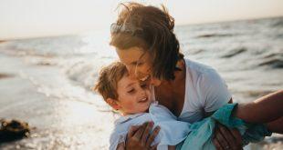 A napszúrás tünetei csecsemőknél, kisgyermekeknél